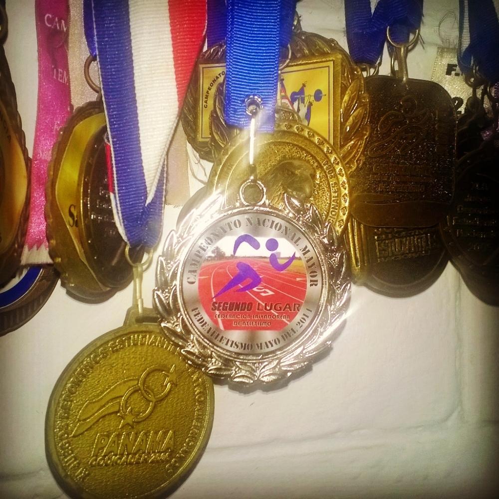 medalla-plata-atletismo-el-salvador