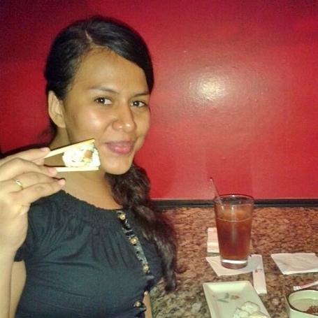eating-roll-benihana-queith-katherine-montero