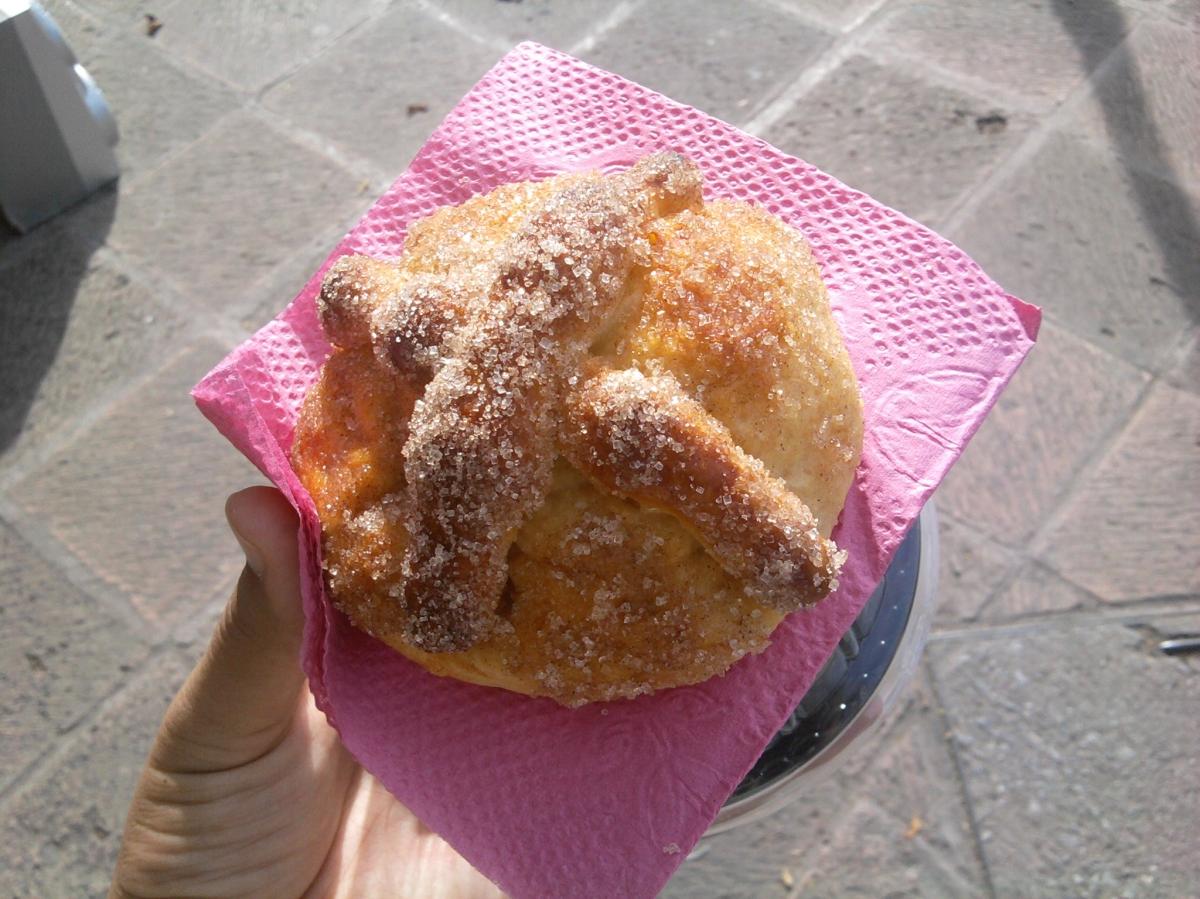 bread-dead-lady-cakes-queretaro-mexico-queith-katherine-montero