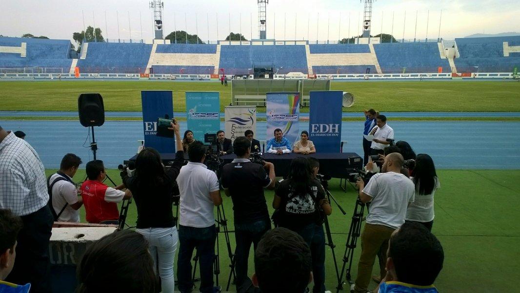 Me gusta cuando las conferencias de prensa son al aire libre.